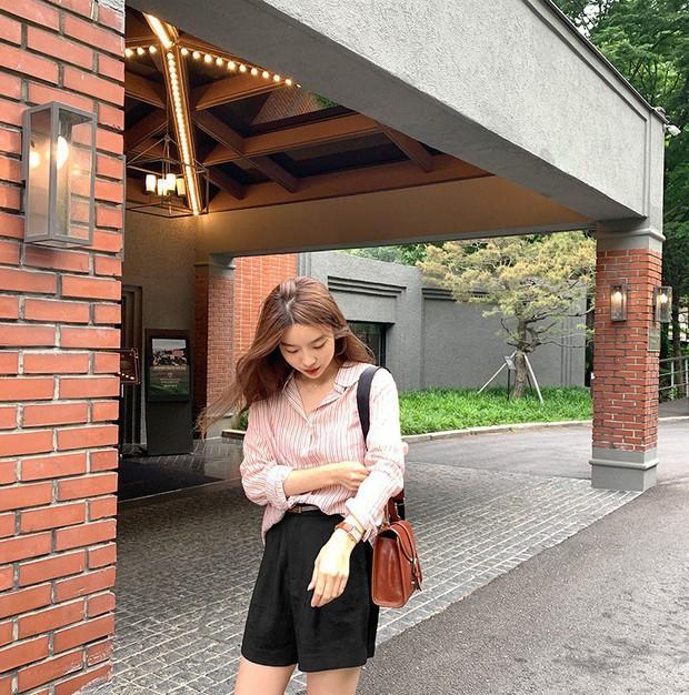 Có một kiểu áo sơ mi đang rất được lòng các sao nữ xứ Hàn: Diện lên trẻ trung, thu gọn vóc dáng và hơn thế nữa - Ảnh 10.