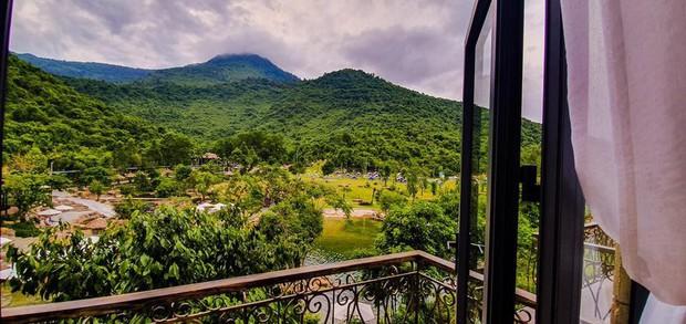 Ngay tại Việt Nam cũng có ngôi làng người lùn đẹp như xứ sở thần tiên được giới trẻ check in rần rần - Ảnh 4.