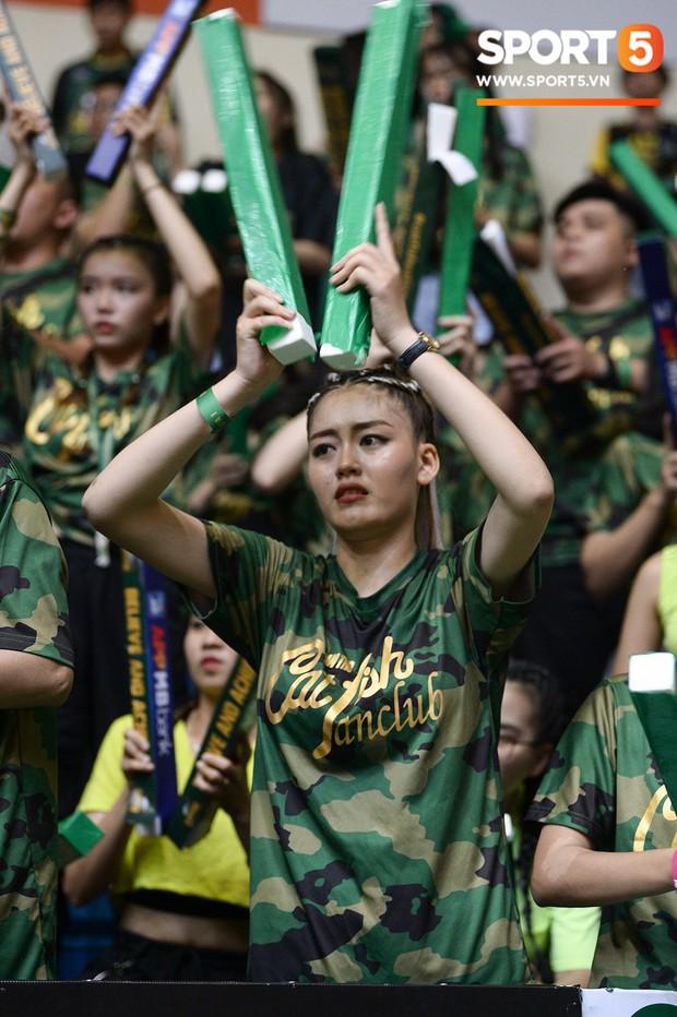 Nỗi tuyệt vọng bao trùm nhà thi đấu Đa Năng sau thất bại của cựu vương Cantho Catfish tại VBA 2019 - Ảnh 5.