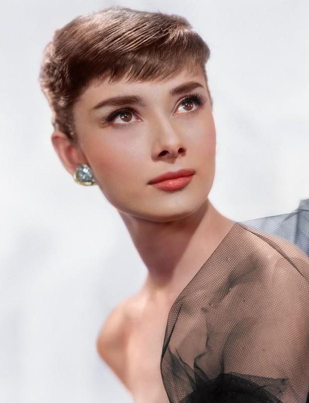 Hot trở lại 10 mỹ nhân Hollywood đẹp nhất thập niên 50: Toàn huyền thoại mọi thời đại, nữ thần thời nay sao đọ lại? - Ảnh 4.