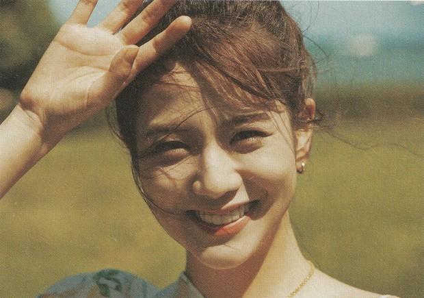 Bộ ảnh mùa hè của BLACKPINK gây bão: Lisa và Jennie lột xác dịu dàng như tình đầu, Jisoo bùng nổ nhan sắc - Ảnh 9.
