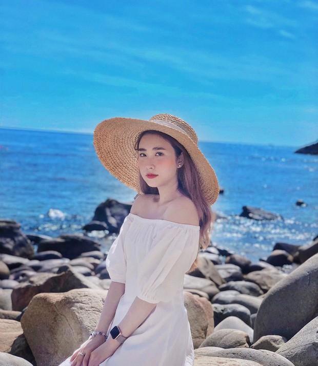 Bạn gái cũ thủ môn Bùi Tiến Dũng bất ngờ xuất hiện trên báo Trung, được khen xinh kiểu em gái nhà bên - Ảnh 7.