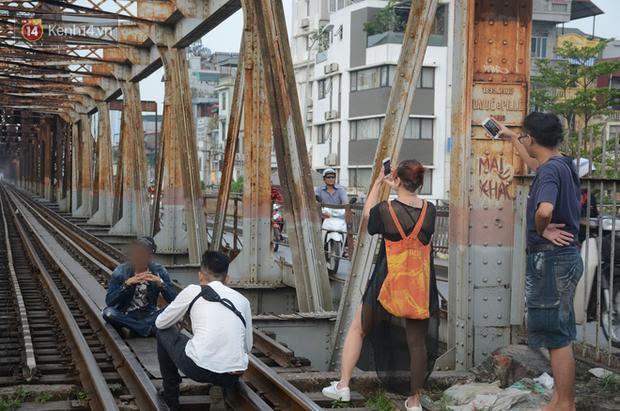 """2 địa điểm bị cấm quay phim, chụp ảnh ở Việt Nam: Khi biển cảnh báo cũng """"chịu thua"""" trước đam mê sống ảo của giới trẻ - Ảnh 10."""
