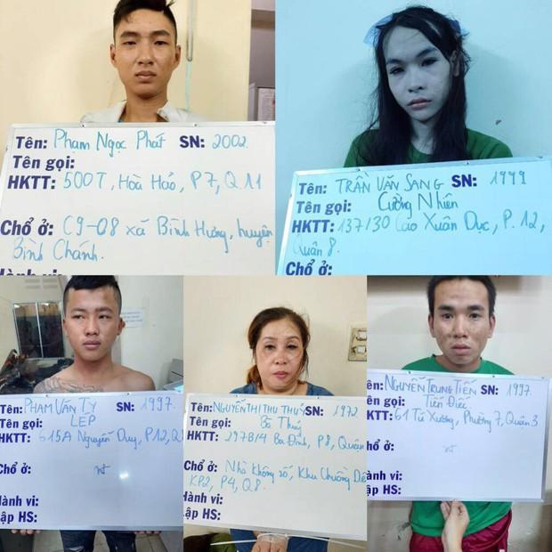 Băng nhóm giả gái mại dâm, dàn cảnh trộm cắp tài sản khách mua vui ở Sài Gòn - Ảnh 2.