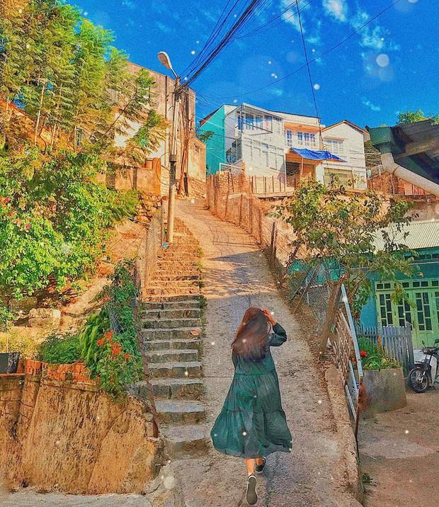 """2 địa điểm bị cấm quay phim, chụp ảnh ở Việt Nam: Khi biển cảnh báo cũng """"chịu thua"""" trước đam mê sống ảo của giới trẻ - Ảnh 23."""
