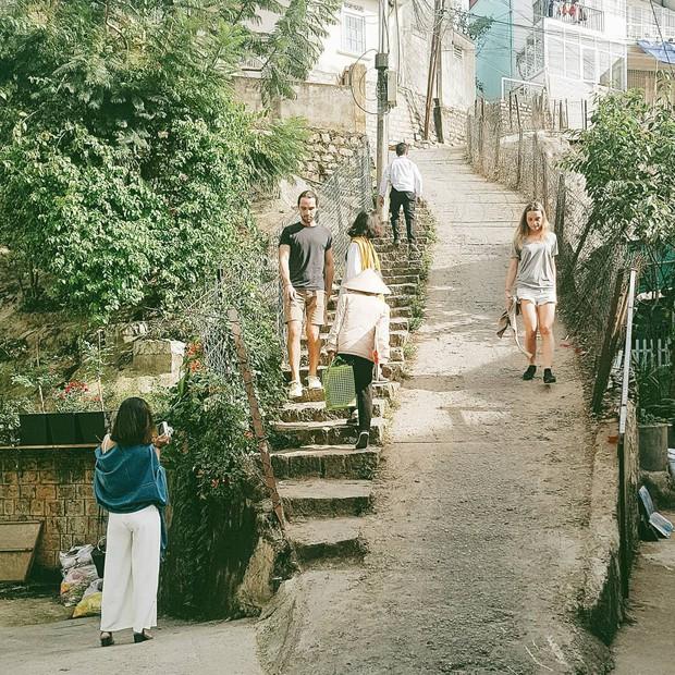 """2 địa điểm bị cấm quay phim, chụp ảnh ở Việt Nam: Khi biển cảnh báo cũng """"chịu thua"""" trước đam mê sống ảo của giới trẻ - Ảnh 16."""