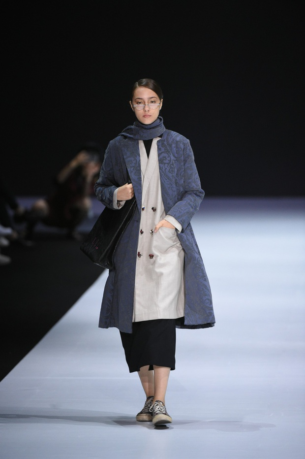 Những thiết kế gây ấn tượng của NTK Vũ Tá Linh tại Tuần lễ thời trang Hong Kong 2019 - Ảnh 7.