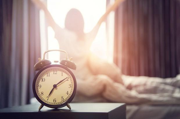 Tập duy trì thói quen buổi sáng của Oprah Winfrey trong 1 tuần, tôi nhận ra sống lành mạnh không hề dễ dàng nhưng HIỆU QUẢ, rất đáng để thử! - Ảnh 1.