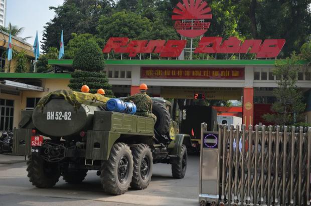 Hà Nội họp báo thông tin nguyên nhân vụ cháy Công ty Rạng Đông, tình hình sức khỏe của hàng nghìn người gần hiện trường - Ảnh 3.