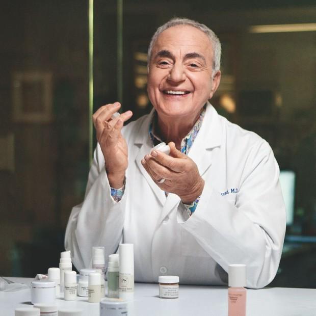 Bác sĩ da liễu nổi tiếng chỉ điểm sai lầm tai hại khi skincare khiến làn da của bạn không thể đẹp lên - Ảnh 1.