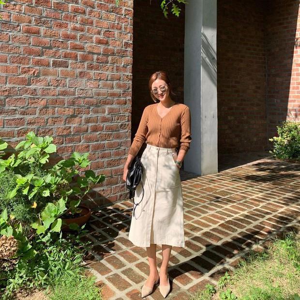 Street style châu Á: Đơn giản mà vẫn cuốn hút, nàng công sở học ngay để lên đồ cho cả tuần mặc đẹp - Ảnh 1.