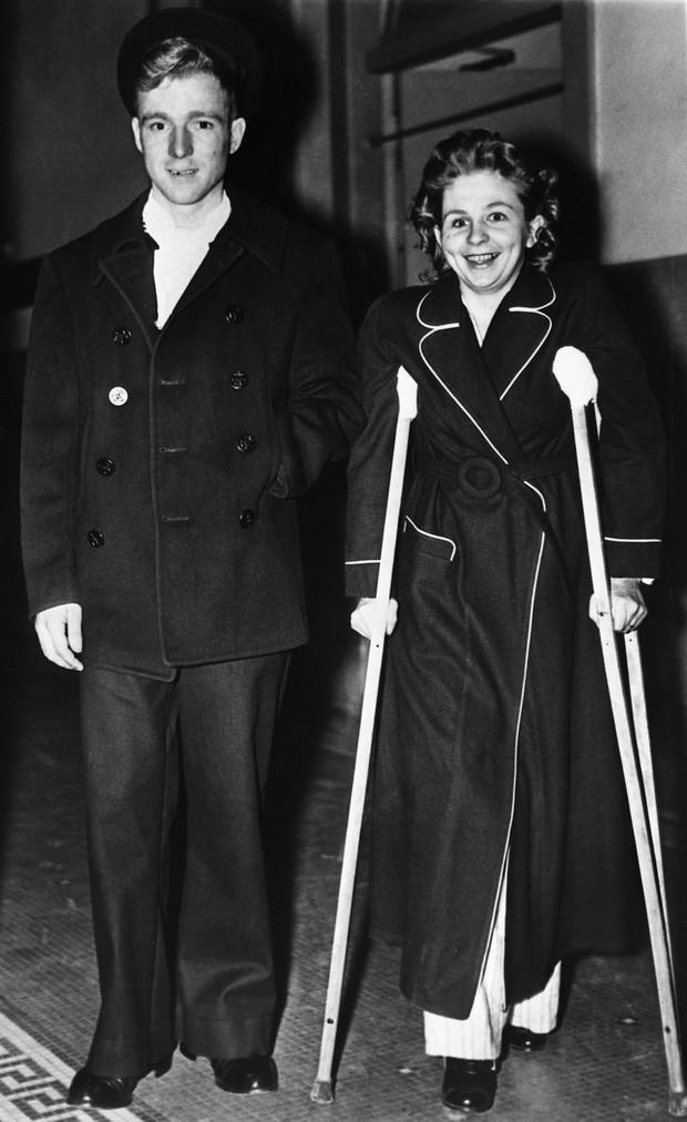 Bị thương nặng khi máy bay lao vào tòa nhà rồi rơi tự do trong thang máy từ tầng 79 cùng 1 ngày, người phụ nữ vẫn sống sót thần kỳ - Ảnh 5.