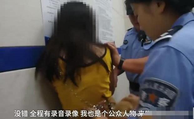 Mỹ nhân 9X gây phẫn nộ khi chửi bới, nhục mạ cảnh sát và nhân viên nhà ga - Ảnh 2.