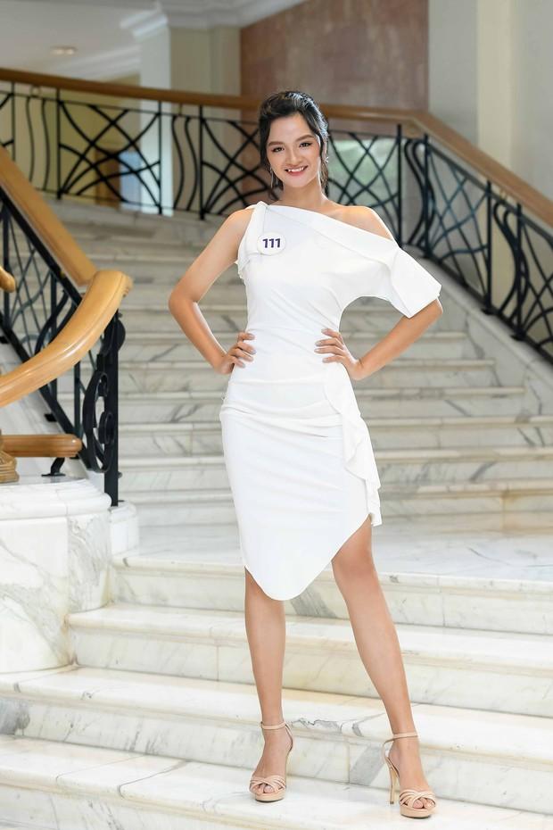 Nhan sắc chênh lệch của thí sinh Hoa hậu Hoàn vũ miền Bắc: Người được khen vì xinh lạ, kẻ lộ rõ khuyết điểm kém xinh - Ảnh 11.