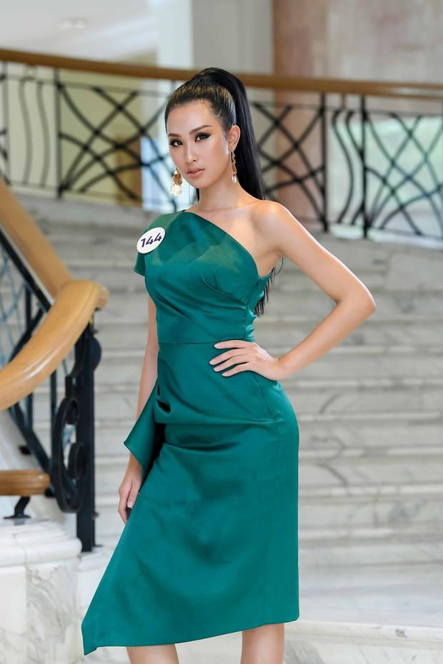 Nhan sắc chênh lệch của thí sinh Hoa hậu Hoàn vũ miền Bắc: Người được khen vì xinh lạ, kẻ lộ rõ khuyết điểm kém xinh - Ảnh 1.