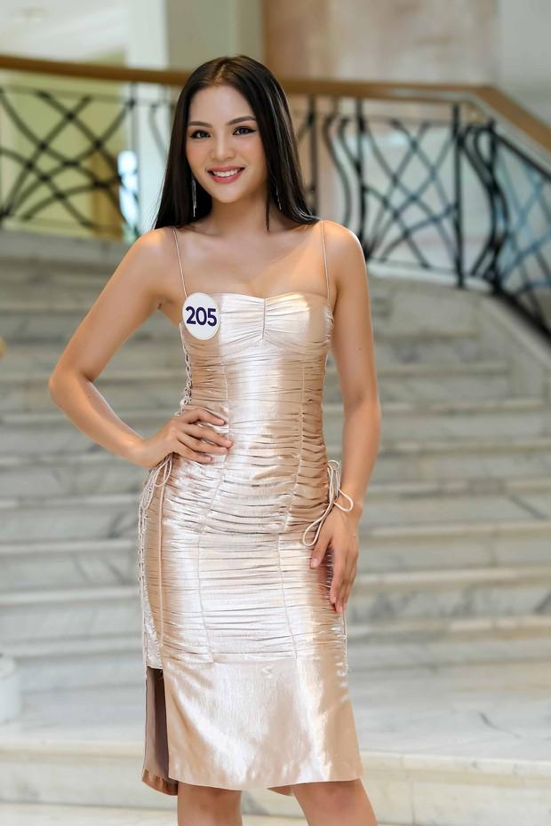 Nhan sắc chênh lệch của thí sinh Hoa hậu Hoàn vũ miền Bắc: Người được khen vì xinh lạ, kẻ lộ rõ khuyết điểm kém xinh - Ảnh 5.