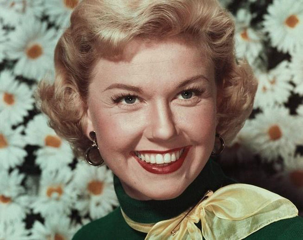Hot trở lại 10 mỹ nhân Hollywood đẹp nhất thập niên 50: Toàn huyền thoại mọi thời đại, nữ thần thời nay sao đọ lại? - Ảnh 24.