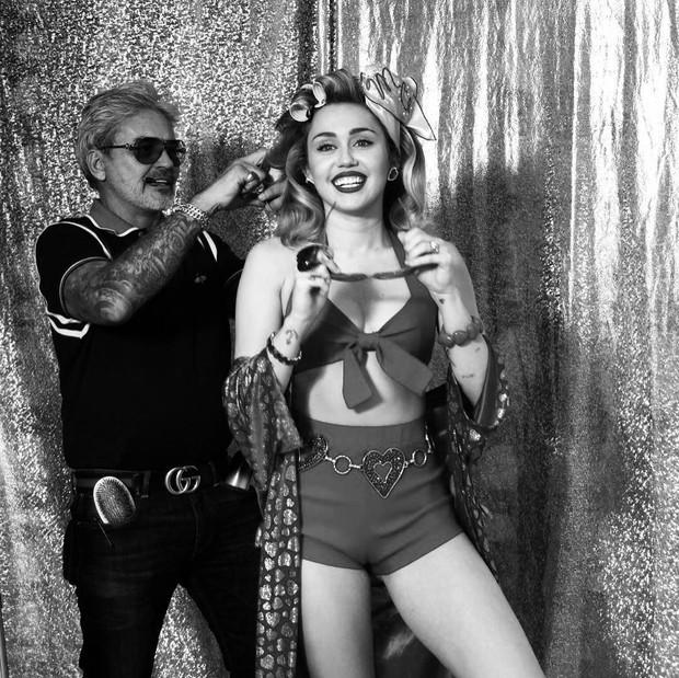 Ngỡ ngàng cuộc lột xác body ngoạn mục của Miley Cyrus trước và sau ly hôn: Khi không thuộc về ai là đỉnh nhất! - Ảnh 4.