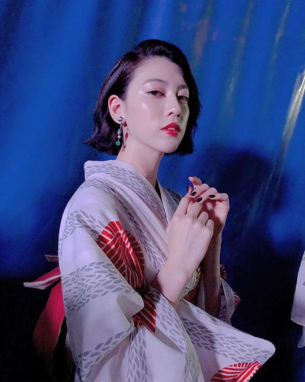Nữ chính MV gây bão của Châu Kiệt Luân: Tưởng ngây thơ nhưng hoá ra còn sexy, thần thái đánh bật cả vợ Justin Bieber - Ảnh 14.