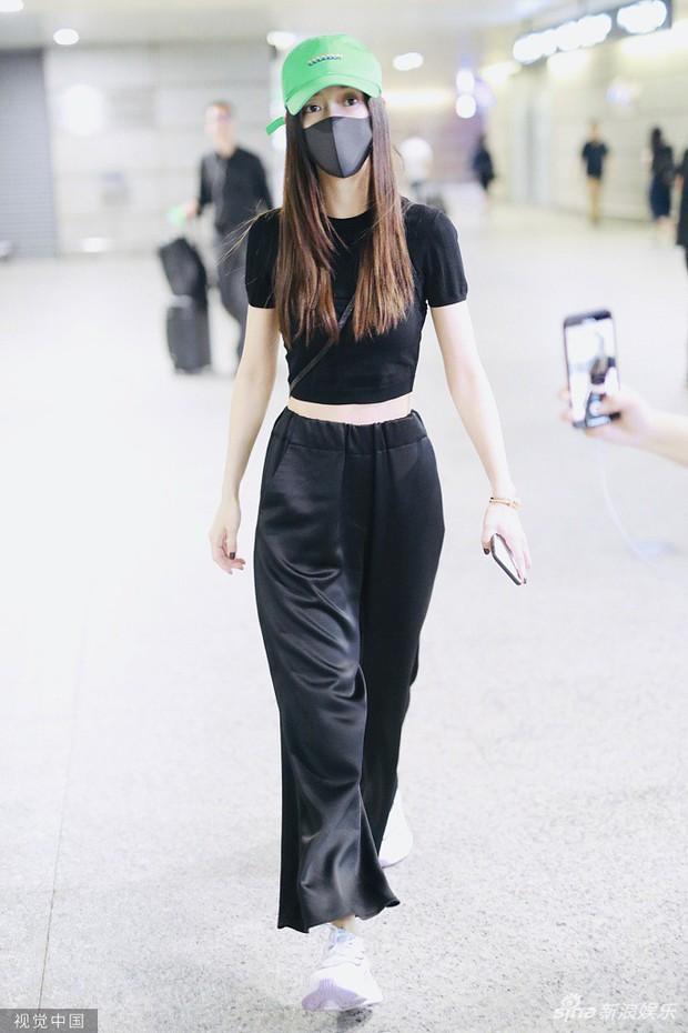 Thái độ đáng ngờ của Angela Baby - Huỳnh Hiểu Minh tại sân bay chính là bằng chứng cặp đôi đã ly hôn? - Ảnh 5.