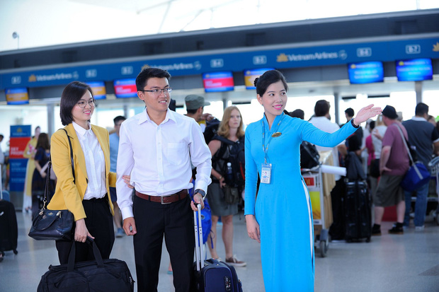 Sân bay Tân Sơn Nhất chính thức ngưng phát loa thông tin các chuyến bay - Ảnh 2.