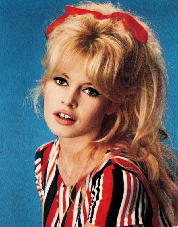 Hot trở lại 10 mỹ nhân Hollywood đẹp nhất thập niên 50: Toàn huyền thoại mọi thời đại, nữ thần thời nay sao đọ lại? - Ảnh 13.