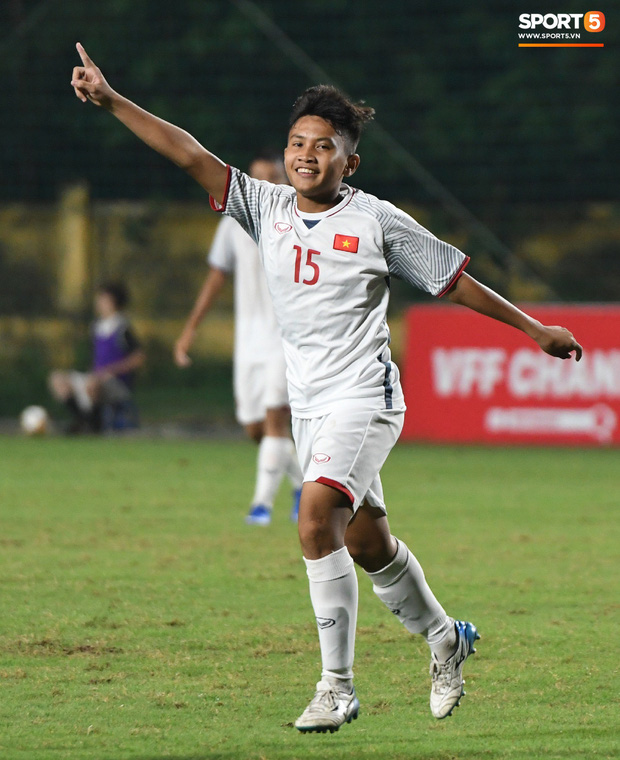 Thất bại với tỷ số 0-7, HLV U16 Mông Cổ nhận định: So sánh Việt Nam với Australia như nói về Ronaldo và Messi vậy - Ảnh 1.