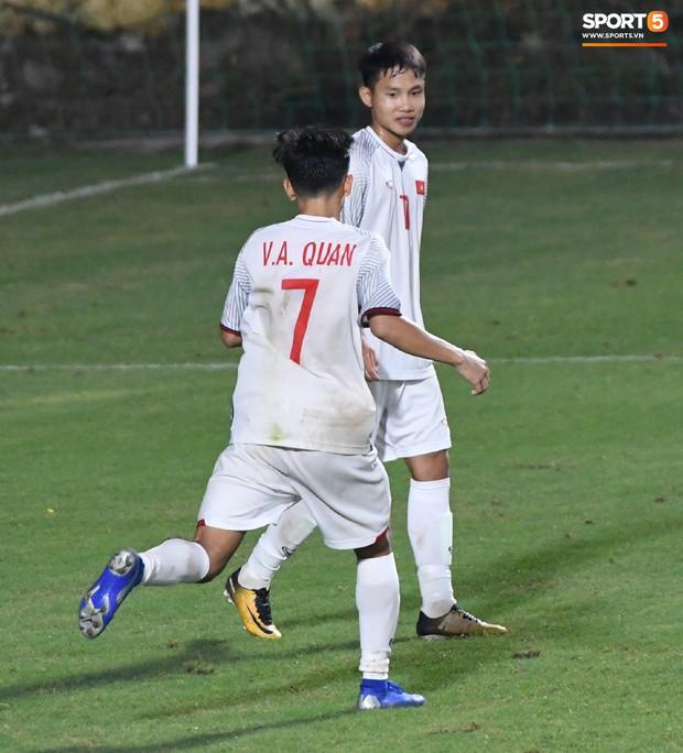 Thất bại với tỷ số 0-7, HLV U16 Mông Cổ nhận định: So sánh Việt Nam với Australia như nói về Ronaldo và Messi vậy - Ảnh 3.