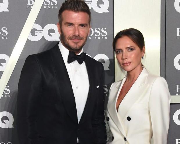 Victoria Beckham ghen lồng lộn sau khi xem loạt ảnh David Beckham tổ chức đám cưới cùng Angela Baby? - Ảnh 2.