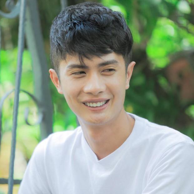 Không thể ngôn tình hơn: Huỳnh Phương FAP TV tuyên bố đang yêu Sĩ Thanh nhân dịp kênh Youtube đạt 10 triệu theo dõi - Ảnh 3.