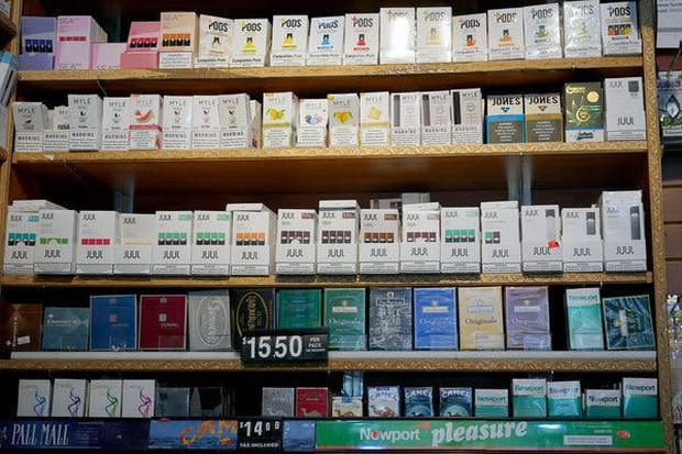 Sau 6 ca tử vong do bệnh phổi bí ẩn, New York tuyên bố cấm khẩn cấp nhiều loại thuốc lá điện tử - Ảnh 3.