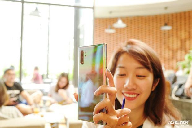 Cho iFan cầm thử Galaxy Note10+: Chỗ nào hay hơn iPhone, chỗ nào còn chưa được tốt? - Ảnh 9.