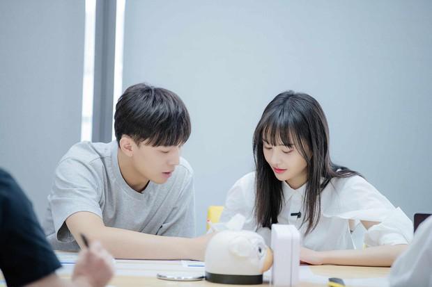 Xem loạt ảnh mới siêu xinh của Trịnh Sảng mới thấy cô nàng càng ngày càng có tướng phu thê với bạn trai CEO rởm - Ảnh 2.