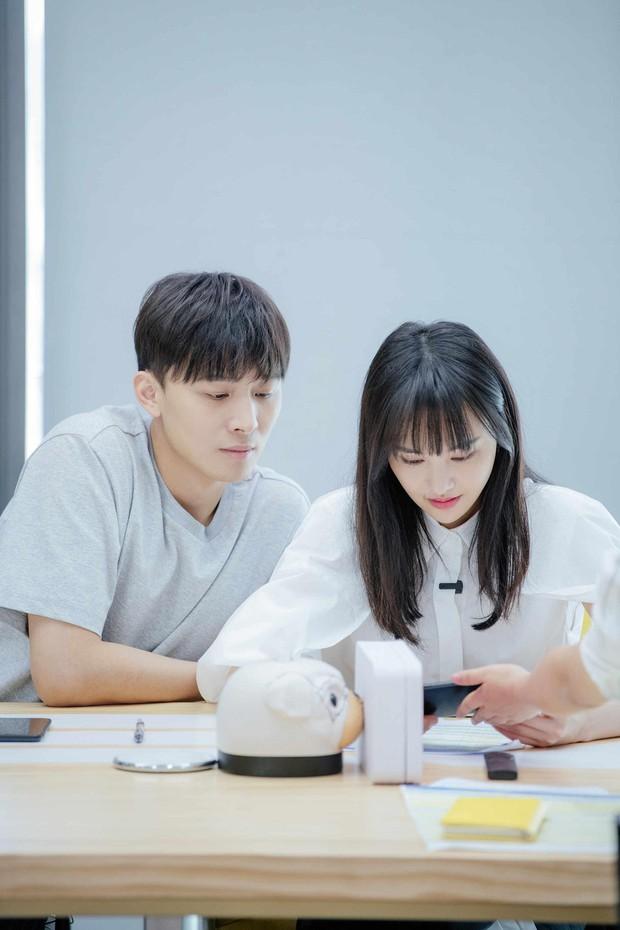 Xem loạt ảnh mới siêu xinh của Trịnh Sảng mới thấy cô nàng càng ngày càng có tướng phu thê với bạn trai CEO rởm - Ảnh 3.