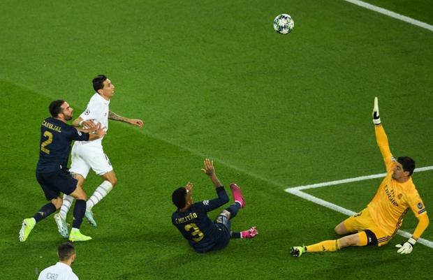 Hàng công tạo ra thống kê vô cùng tệ hại, Real Madrid của Zidane để thua muối mặt ngay trên đất Pháp - Ảnh 9.
