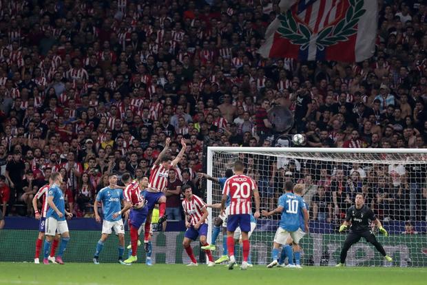 CR7 tịt ngòi, Juventus chia điểm trên sân của Atletico Madrid dù dẫn trước 2-0 - Ảnh 9.