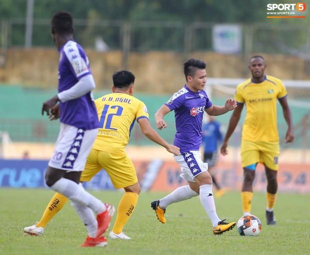 Chiến thắng SLNA, Hà Nội FC chính thức lên ngôi vô địch V.League 2019 - Ảnh 4.