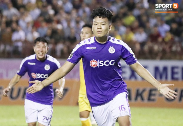 Chiến thắng SLNA, Hà Nội FC chính thức lên ngôi vô địch V.League 2019 - Ảnh 2.