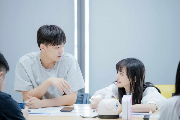 Xem loạt ảnh mới siêu xinh của Trịnh Sảng mới thấy cô nàng càng ngày càng có tướng phu thê với bạn trai CEO rởm - Ảnh 5.