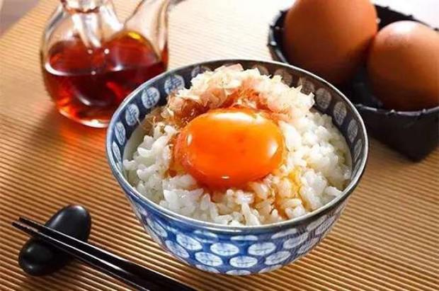 """Cơm trộn trứng sống - sự kết hợp """"kinh dị"""" của món Nhật khiến giới trẻ Việt phát cuồng - Ảnh 2."""