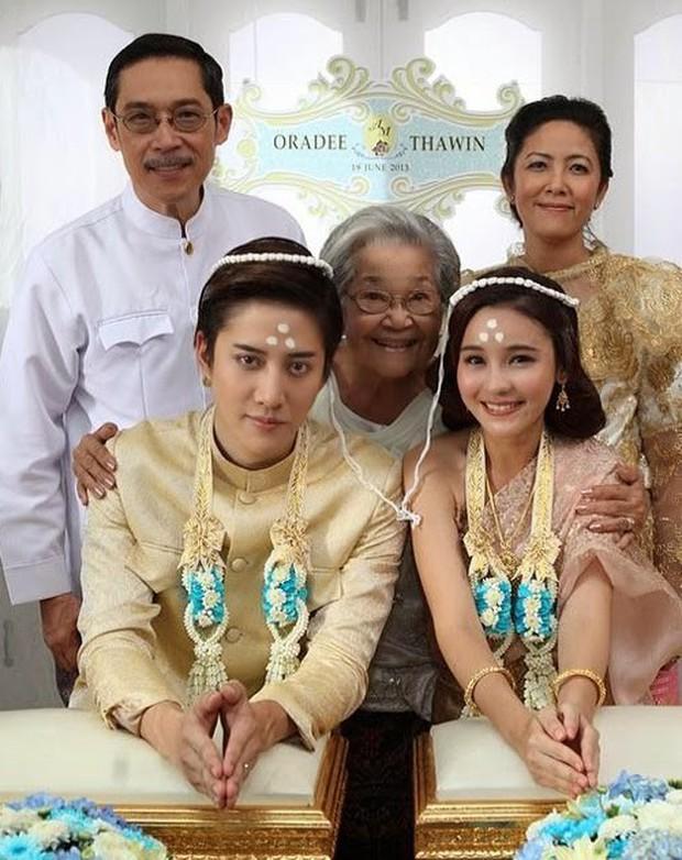 Rò rỉ ảnh váy cưới trong Full House bản Trung Quốc: được khen ăn đứt váy của Song Hye Kyo khi xưa - Ảnh 12.