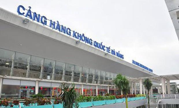 Nhặt vòng tay tại sân bay Đà Nẵng, nam hành khách bị tóm ở Tân Sơn Nhất - Ảnh 1.