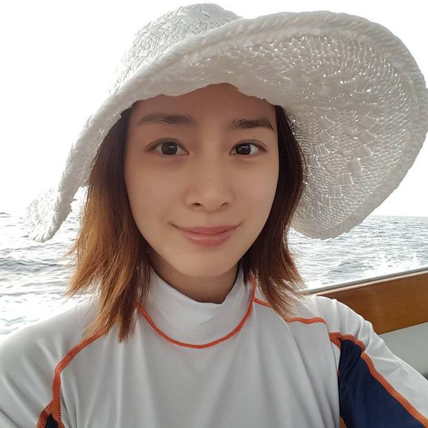 Kim Tae Hee chăm da cực cầu kỳ, bảo sao đã U40 mà vẫn đẹp như nữ thần khiến Rain mê tít - Ảnh 2.