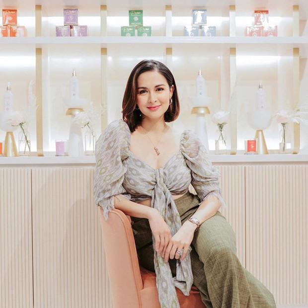 Vừa cắt tóc, mẹ 3 con đẹp nhất Philippines khiến dân tình ngỡ ngàng vì quá giống Song Hye Kyo - Ảnh 2.