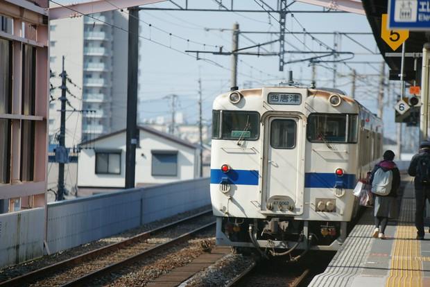 4 điều mà khách du lịch nào cũng cần phải thuộc nằm lòng khi bước lên tàu điện ngầm ở Hàn Quốc - Ảnh 1.