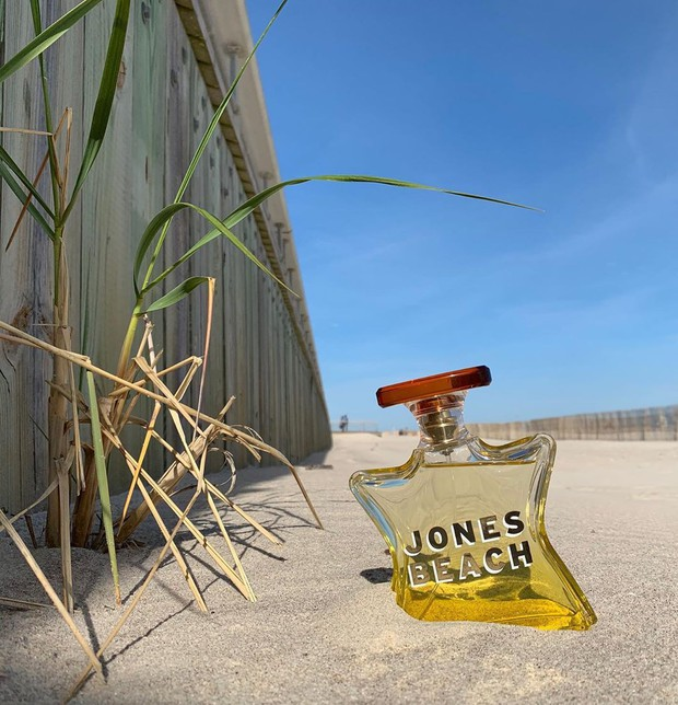Sắm ngay 1 trong 9 chai nước hoa với hương thơm tươi mát, trong trẻo sau nếu bạn vẫn còn lưu luyến mùa hè - Ảnh 9.
