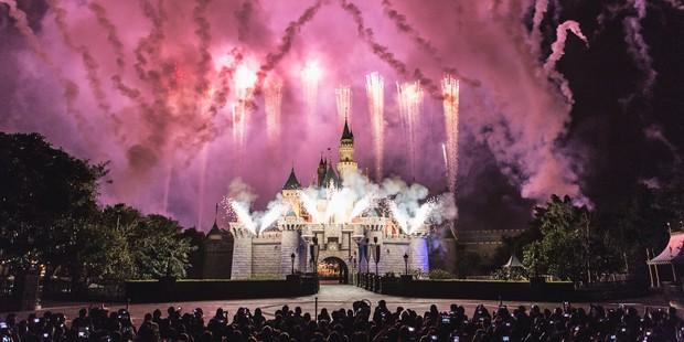 """8 điều bạn tuyệt đối đừng bao giờ vi phạm ở công viên giải trí Disneyland, nếu không muốn """"rơi từ thiên đường xuống địa ngục"""" - Ảnh 1."""