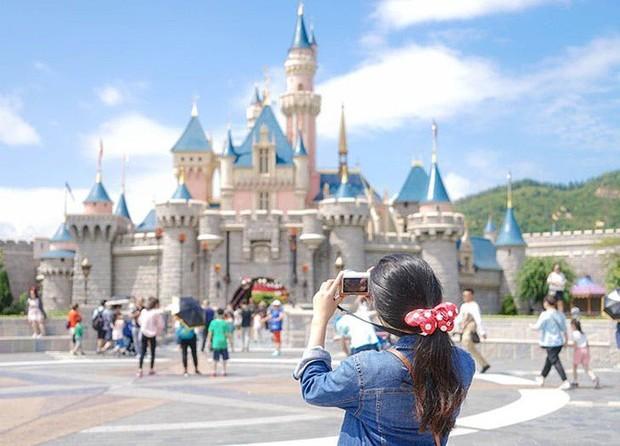 """8 điều bạn tuyệt đối đừng bao giờ vi phạm ở công viên giải trí Disneyland, nếu không muốn """"rơi từ thiên đường xuống địa ngục"""" - Ảnh 4."""