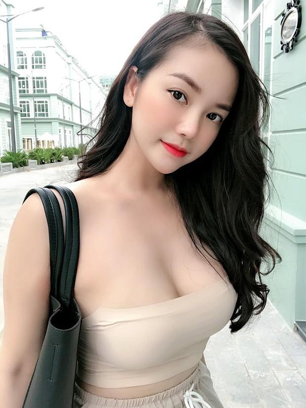 """Dàn girl xinh có vòng 1 """"khủng"""" xấp xỉ 100cm: Người được netizen quốc tế truy lùng, người cực giỏi kinh doanh - Ảnh 1."""