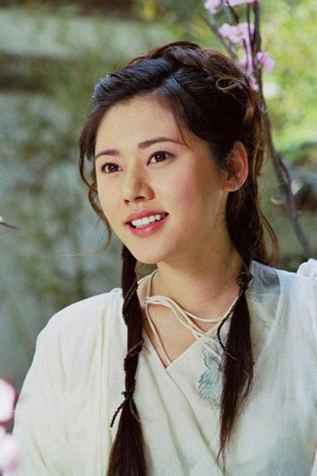Mỹ nhân Hàn Choo Ja Hyun: Bị mẹ ruột rủa chết, chao đảo vì 50 tấm ảnh nóng, kết cục viên mãn bất ngờ bên chồng xứ Trung - Ảnh 3.